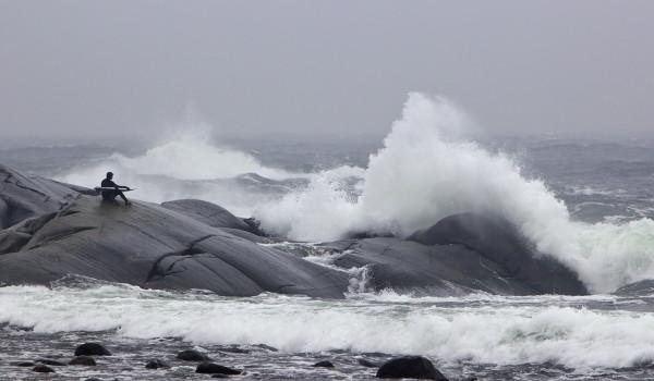 SYYSMYRSKYT TUOVAT SURFFARIT ETELÄKÄRKEEN